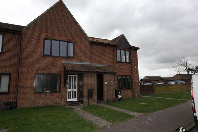 1 bed flat to rent in Flat, Parklands Court, Saxmundham Way, Clacton-On-Sea CO16