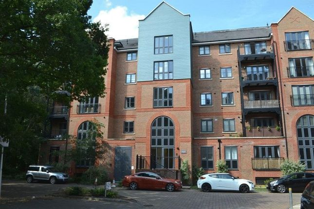 Thumbnail Flat for sale in Cannons Wharf, Tonbridge