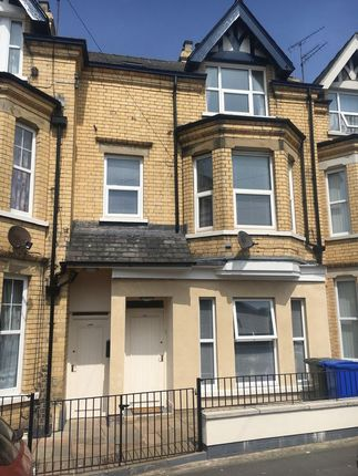 Thumbnail Maisonette to rent in Lansdowne Road, Bridlington