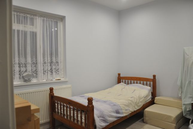 Bedroom of Greenford Avenue, Southall UB1