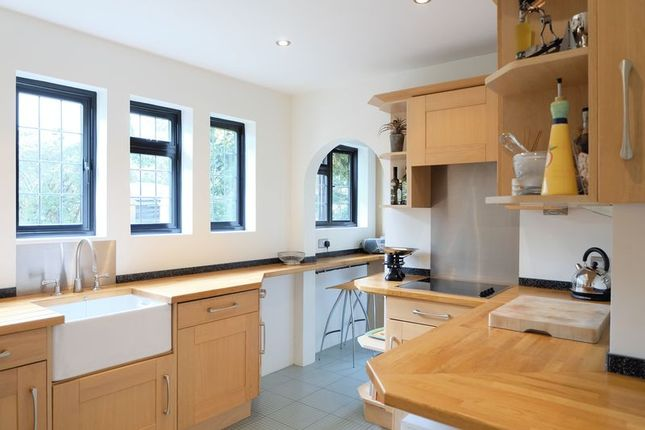 4 bed detached house for sale in Hill Crescent, Bexley