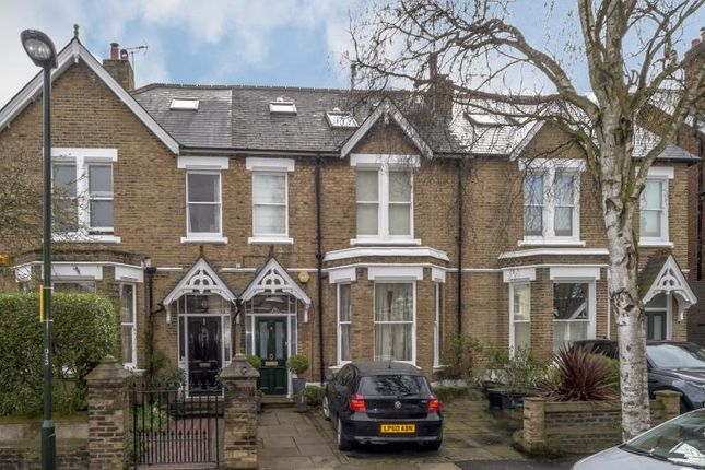 Thumbnail Terraced house to rent in The Avenue, Kew