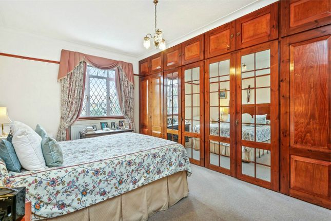 Thumbnail Semi-detached house for sale in Acacia Road, London