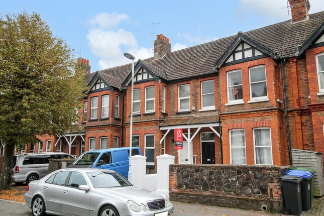 2 bed flat for sale in Pavilion Road, Broadwater, Worthing BN14
