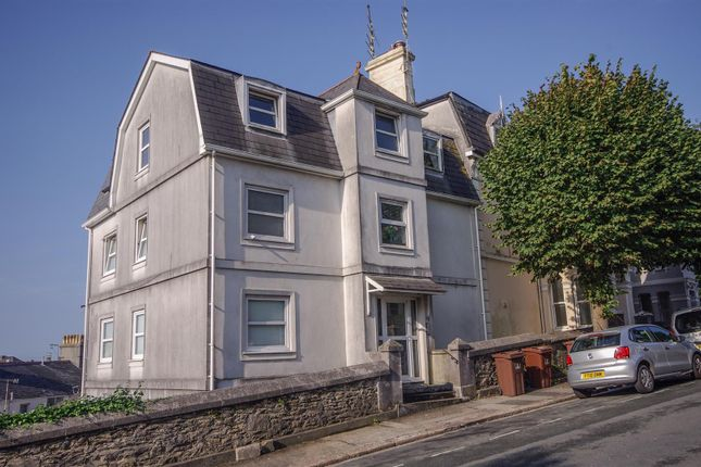 Thumbnail Flat to rent in College Avenue, Mutley, Plymouth