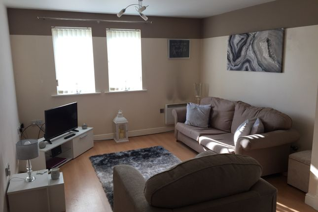 Thumbnail Flat to rent in Minton Court, Stoke-On-Trent