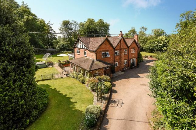 Thumbnail Detached house for sale in Twyford, Reading