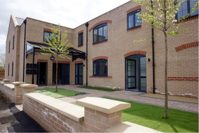 Thumbnail Flat for sale in Victoria Place, Meldreth