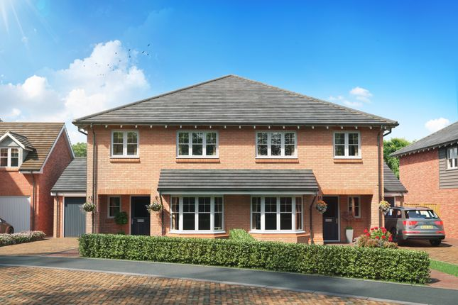 Thumbnail Semi-detached house for sale in Ravensworth, Pitstone