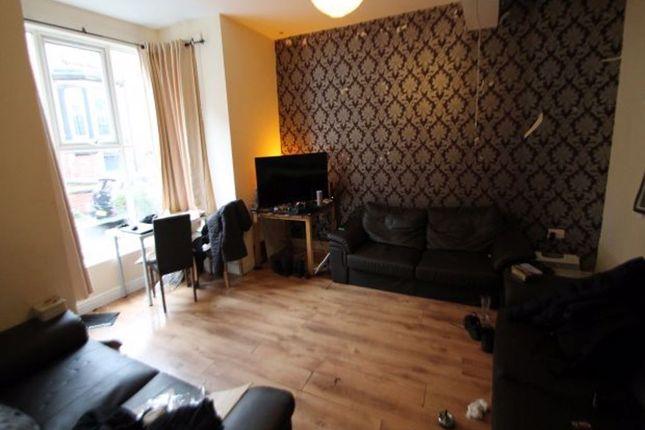 Thumbnail Terraced house to rent in Regent Park Terrace, Hyde Park, Leeds