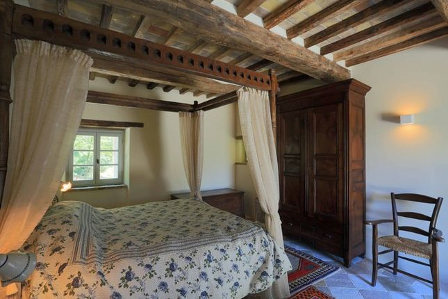 Bedroom Main of Il Molinello, Seano, Cortona, Tuscany