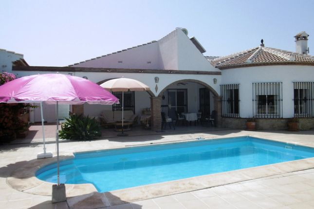 3 bed villa for sale in Viñuela, Axarquia, Andalusia, Spain