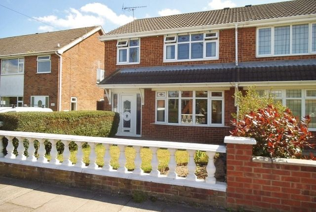 Thumbnail Semi-detached house to rent in St. Nicholas Drive, Grimsby