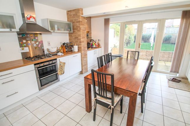 Thumbnail Town house to rent in Raynville Way, Leeds