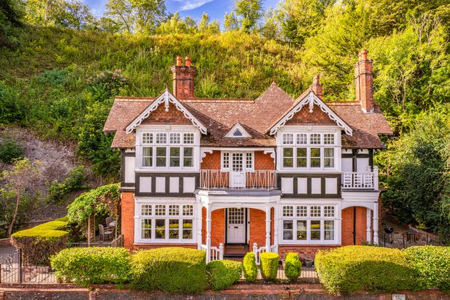Thumbnail Detached house to rent in Bankside, Pangbourne On Thames