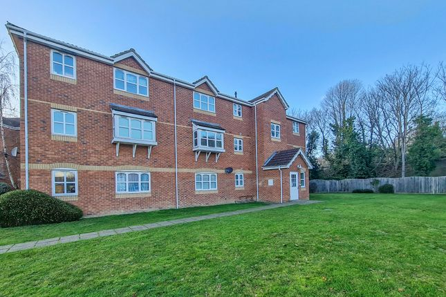2 bed flat for sale in Woodfield Road, Thames Ditton KT7