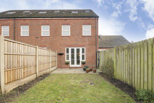 22102 of Babbington Drive, Cinderhill, Nottinghamshire NG6