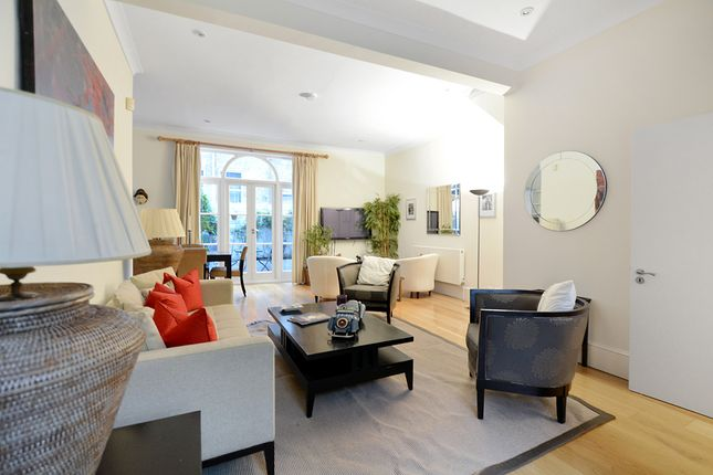 Thumbnail Terraced house to rent in Spear Mews, London