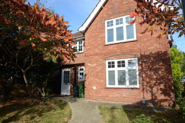 Thumbnail Maisonette to rent in Frimley Road, Camberley
