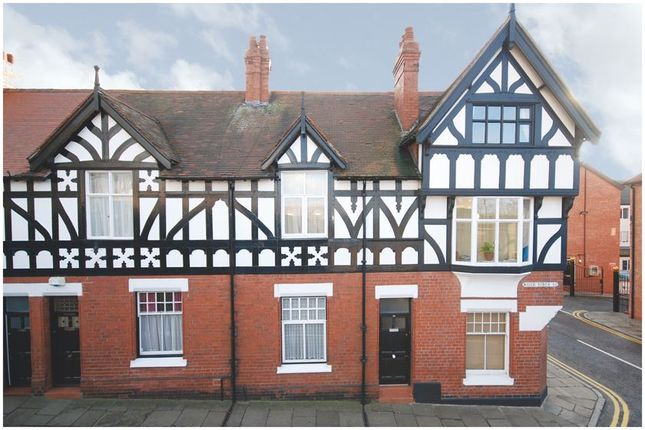 Thumbnail Shared accommodation to rent in Water Tower Street, Chester