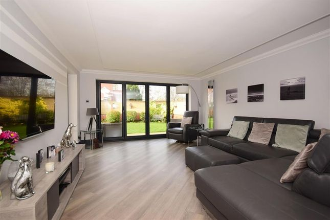 Thumbnail Detached house for sale in Beaulieu Drive, Waltham Abbey, Essex