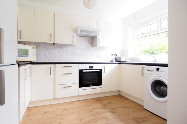 2 bed terraced house to rent in Stornoway Crescent, South Sheddocksley AB16