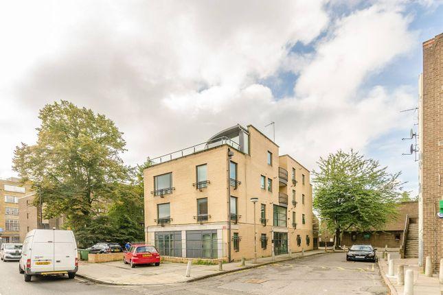 Thumbnail Flat to rent in Highgate Road, Kentish Town