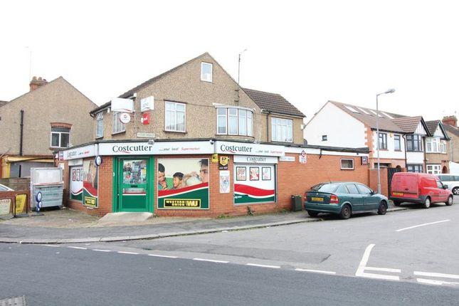 5 bed detached house for sale in Alder Crescent, Luton