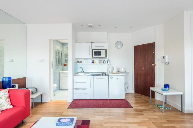 Internal View of Queensborough Terrace, Hyde Park W2