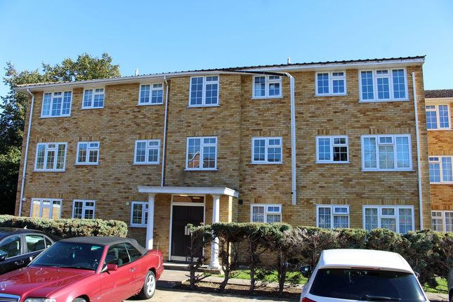 Flat to rent in Waters Drive, Staines Upon Thames