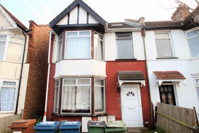 Room to rent in Frognal Avenue, Harrow, Middlesex