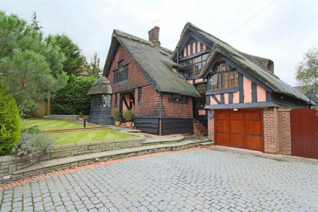 Thumbnail Detached house for sale in Hayland Close NW9, London