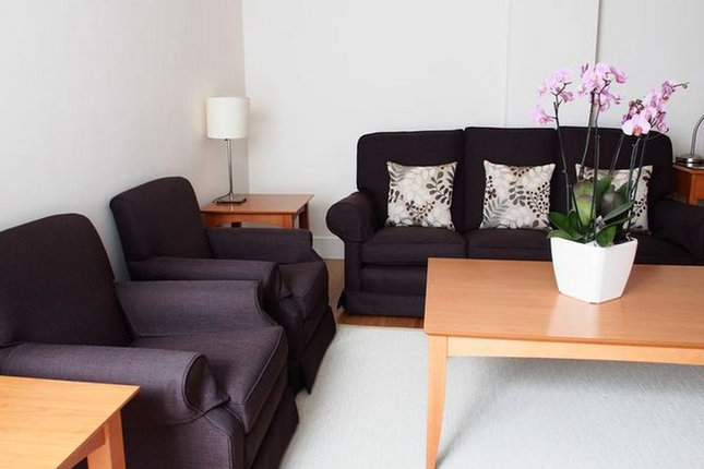 Thumbnail Flat to rent in Overlooking Abingdon Road, London