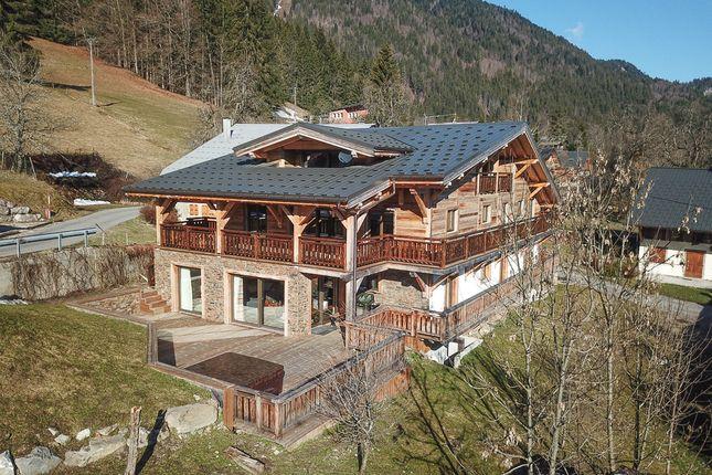 Thumbnail Chalet for sale in Chemin De Laydevant, Essert Romand, Haute-Savoie, Rhône-Alpes, France