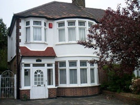 Thumbnail Property to rent in Beechdale, London