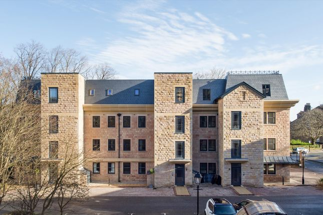 2 bed property for sale in Clarence Drive, Harrogate, North Yorkshire HG1
