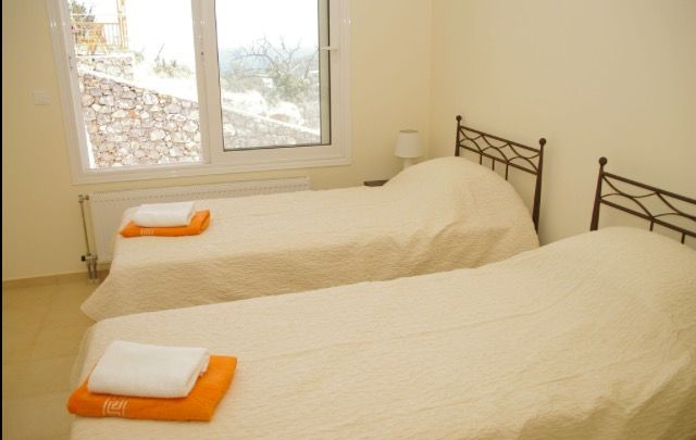 Villa Jasmine Twin Bedroom With En-Suite Bathroom