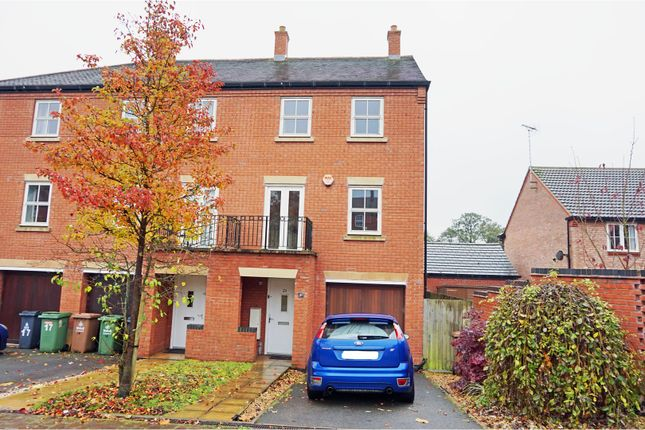 3 bed town house for sale in Nether Hall Avenue, Great Barr, Birmingham