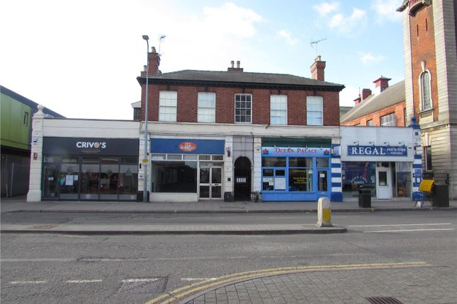 Retail premises to let in 120 High Street, Lincoln, Lincolnshire