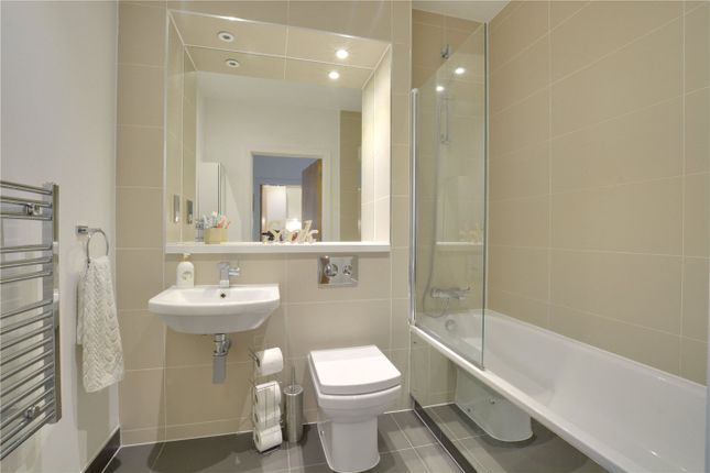 Bathroom of Ashburnham Place, Greenwich, London SE10