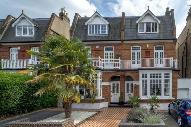 5 bed property for sale in Lawn Crescent, Kew