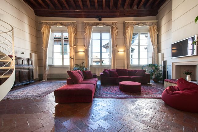 Thumbnail Apartment for sale in Lucca, Tuscany, Italy
