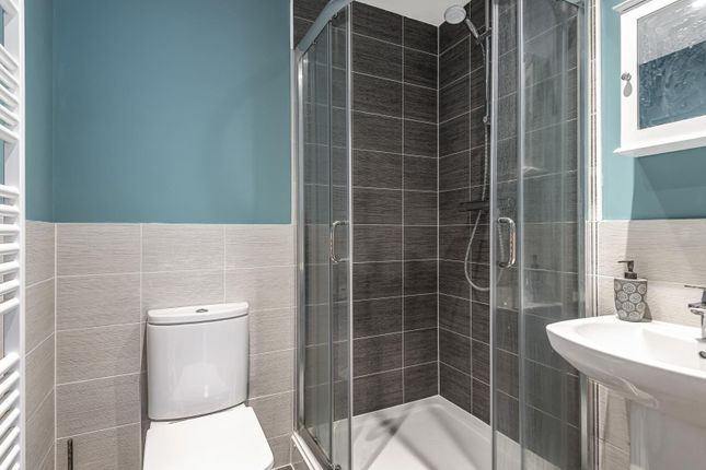 Ensuite of Haden Square, Reading RG1