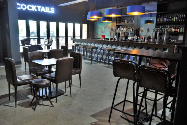 Pub/bar for sale in Licenced Trade, Pubs & Clubs BD1, West Yorkshire