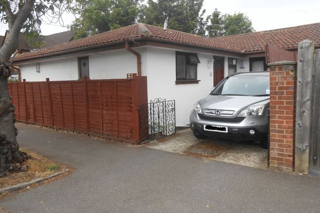 Thumbnail Detached bungalow to rent in Lynwood Avenue, Langley, Slough
