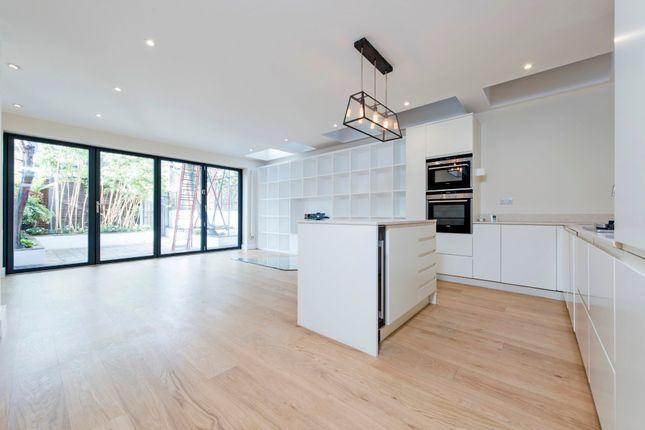 2 bed flat to rent in Altenburg Gardens, London SW11