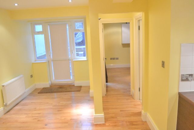 Thumbnail Flat to rent in Arthur Road, London