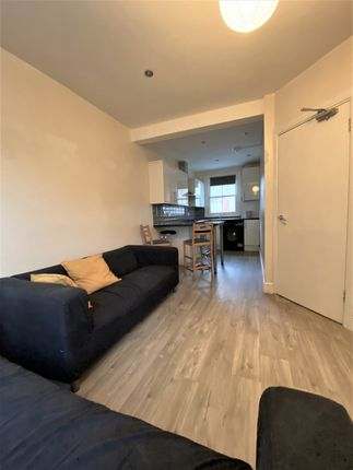 Thumbnail Terraced house to rent in Collingwood Road, London