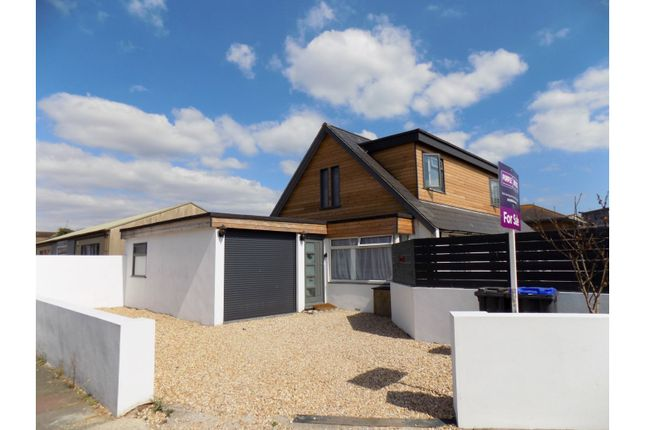 Thumbnail Detached house for sale in Kings Crescent, Shoreham-By-Sea