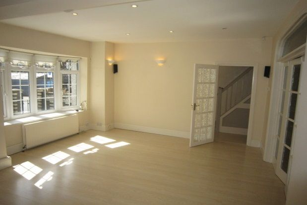 Thumbnail Property to rent in Deepdene Road, Welling